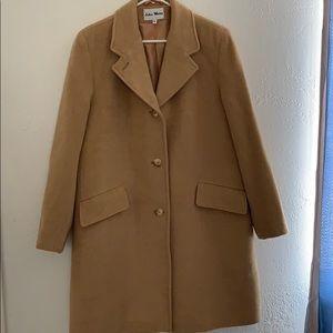 Jackets & Blazers - Absolutely stunning 100% camel hair coat